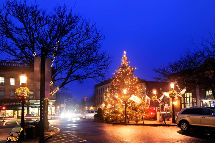 Five tips for taking fantastic photos of Christmas lights ...