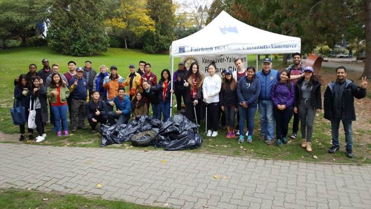 Group photo 2016 shoreline cleanup